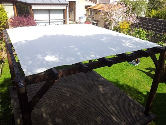 Tент или поликарбонат на крышу перголы